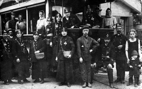 DPP si připomíná 105. výročí od zaměstnaní prvních žen v pražské MHD